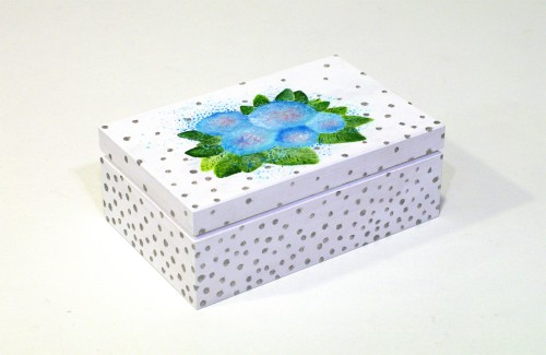 White box with blue flowers